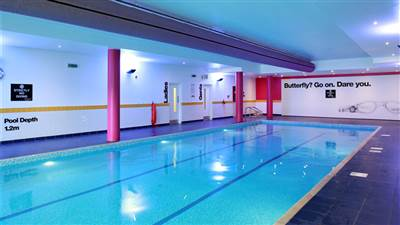Photo gallery hotels northern ireland armagh city hotel for Hotels in belfast with swimming pool