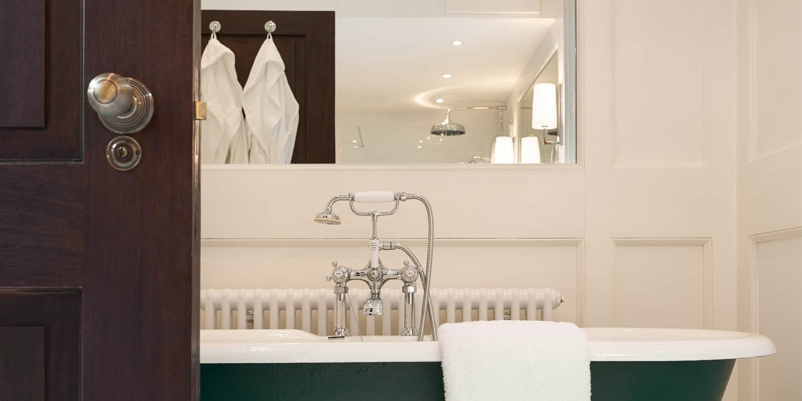 Lettery Lodge Master Bathroom