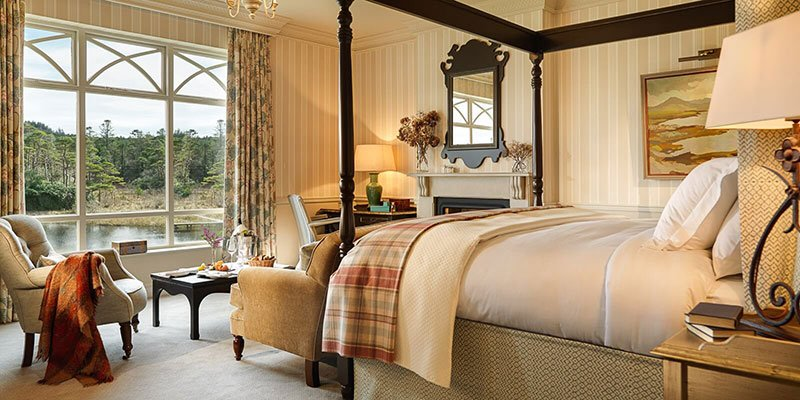 Finished To A High Standard These Large Ious Rooms Have Stunning Views Across The River