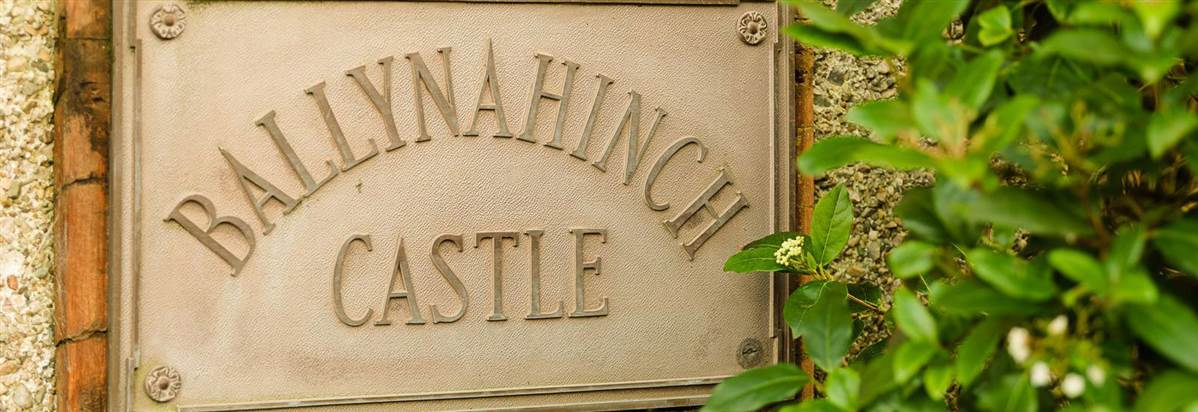 Ballynahinch Castle Plaque
