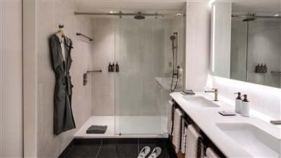 Starter Suite Bathroom