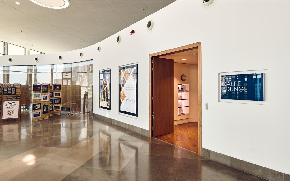 The Calpe Lounge - Entrances