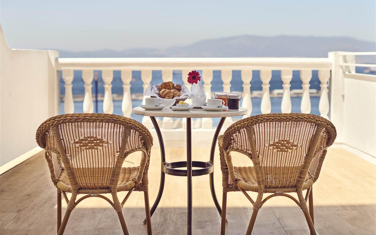 Rock Hotel - Breakfast on balcony