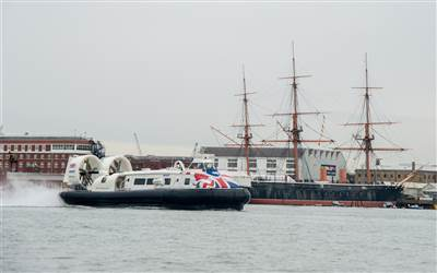Hovertravel - Hovercraft into Portsmouth Harbour