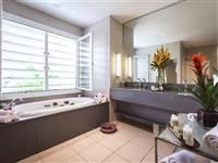 Carlisle Suite Bathroom