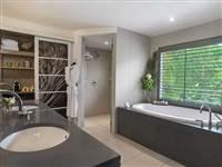 ocean suite bathroom web fp compressed