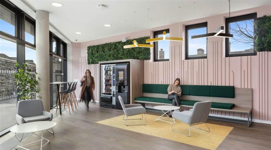 Highfield House- Lounge 7