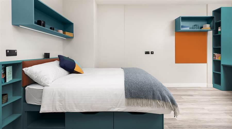 Highfield House - Deluxe Bedroom