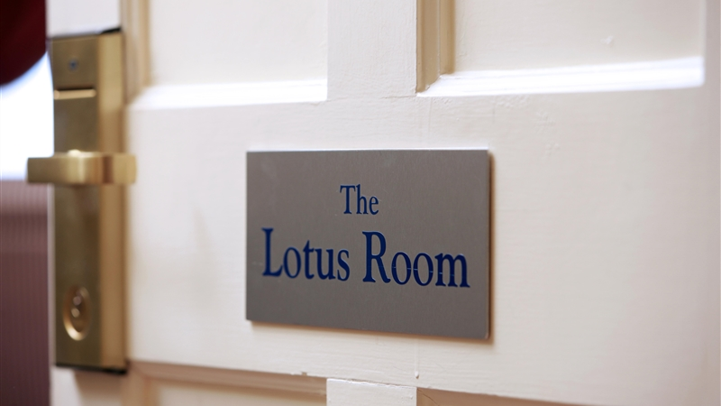 luxury Suite - The Lotus Room