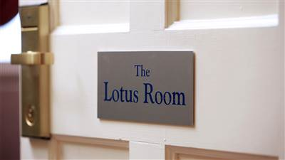 Luxury Suite - Lotus