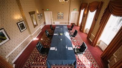 Earls Room