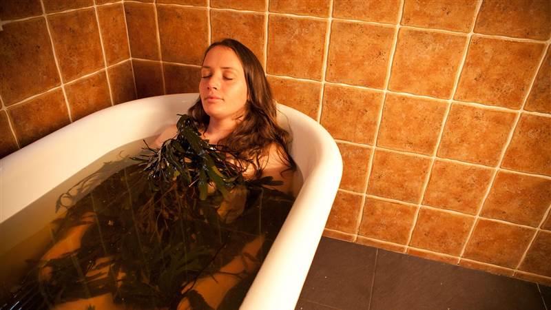 2 Baths, 2 Treatments Dinner Bed & Breakfast