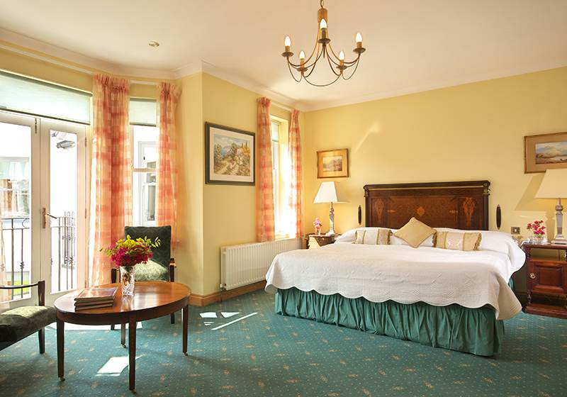 Luxurious Junior Suites Bedroom  - Seaview House Hotel