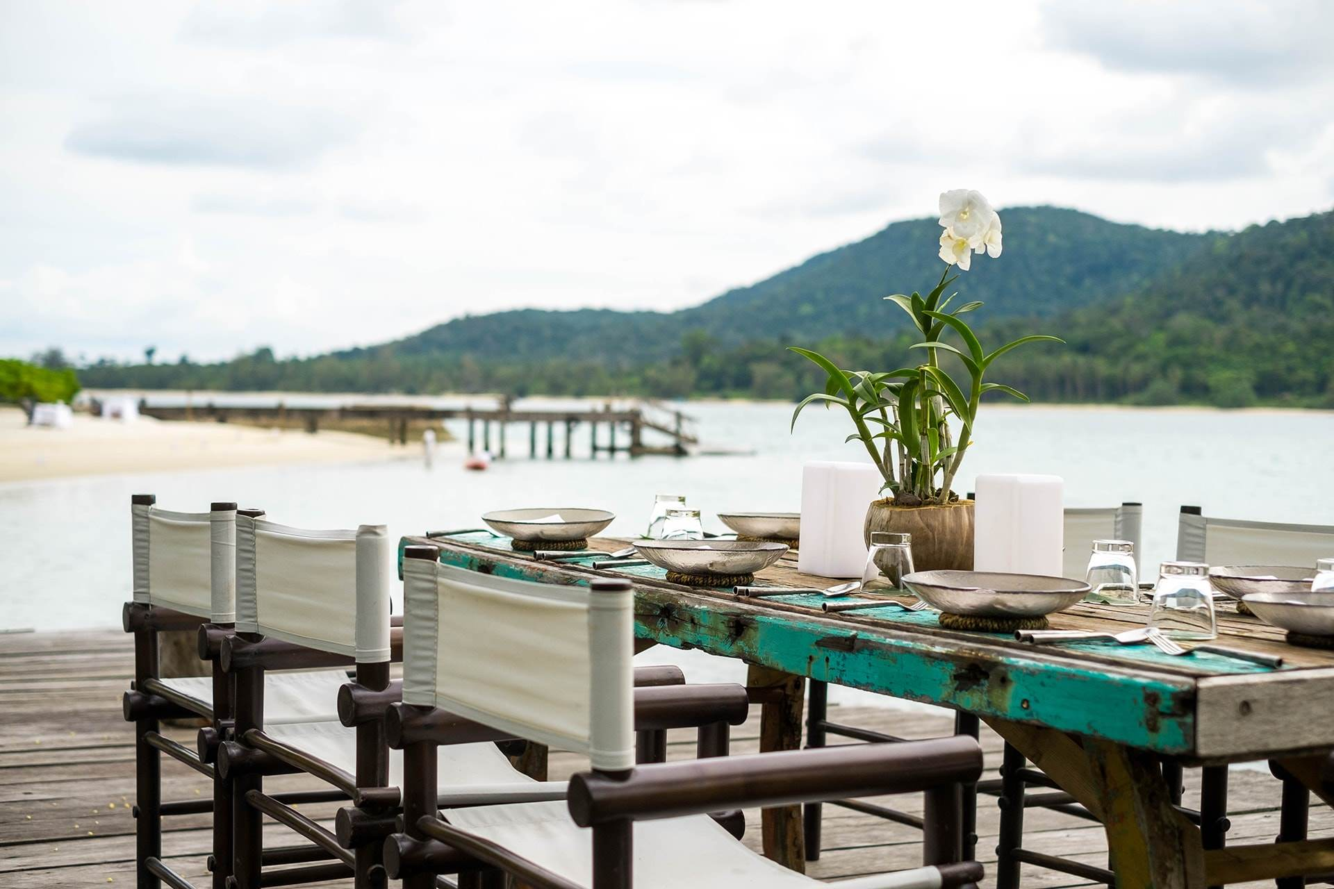 Destination Dining at Driftwood Deck